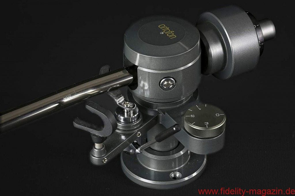 Ortofon SPU A95 + TA-210 - Kein Filigranteil, sondern eher Maschinenbau. Die Antiskating-Einstellung nimmt man am besten via Testplatte vor