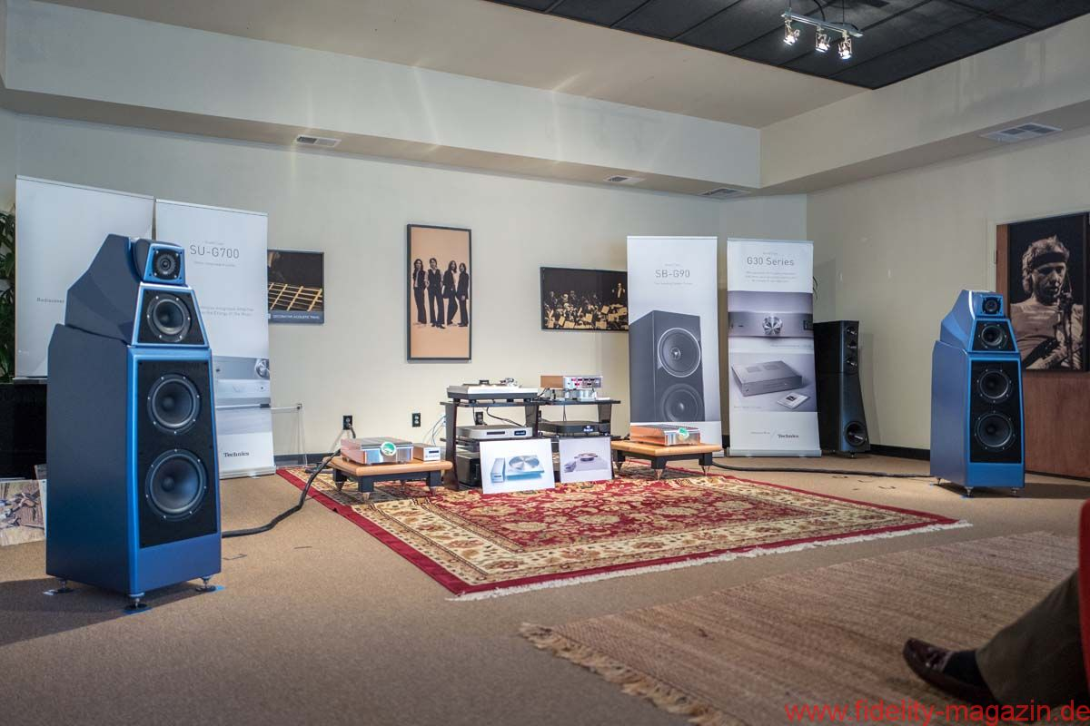 Technics at Alma Audio, San Diego, California