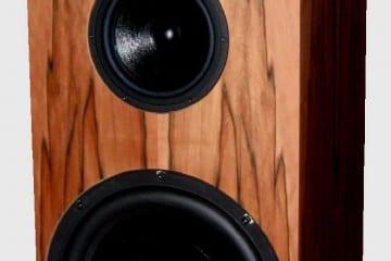 """Der neue MFE—Lautsprecher """"LS_Secundo"""" - zunächst nur entwickelt, um die besten Geräte konform vorführen zu können - ist mit exzellenten Chassis bestückt."""