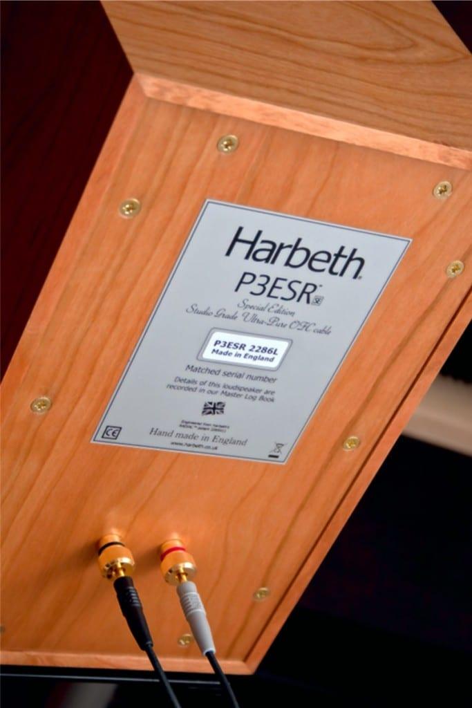 """Harbeth P3ESR SE: Ein """"raumfüllender"""" Schuhkarton mit legendären Genen und legendärem Klang. Klassischer Kleinmonitor mit großem Klangvolumen."""