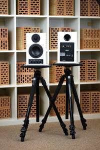 nuPro A-10 - Super-Klang für Computer und Multimedia oder Mini- Monitor? Der nuPro A-10 ist äußerst ehrgeizig