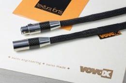 VoVox Texturra Fortis - Wenn man bei den Kleinsignalkabeln schon nicht um Stecker herumkommt ' dann greife man zum Besten …… von Furutech: XLR-Verbinder mit CF-601 und CF- 602 ' Cinchkabel mit CF-102. Das LS-Kabel bleibt nackt