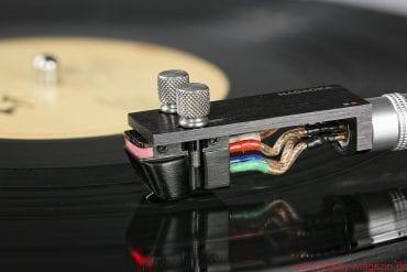 DS Audio Optical Cartridge DS-W1 - DS-W1 Nightrider: die Wiederbelebung des optischen Abtastprinzips mit zeitgemäßen – und rein analogen – Mitteln