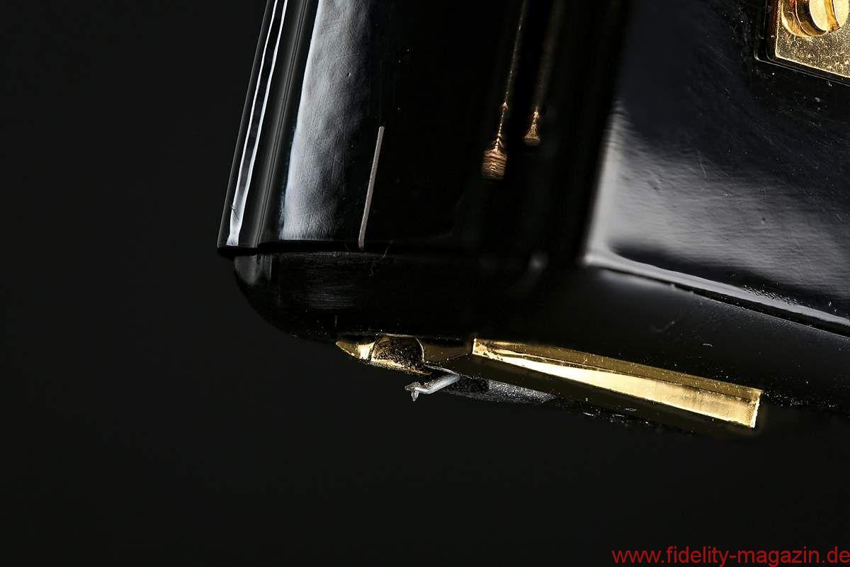 Ortofon SPU A95 + TA-210 - Der Vorteil so großer, schwerer Brocken liegt auf der Hand: Sie lassen sich durch praktisch nichts aus der Ruhe bringen
