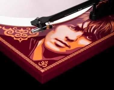 PJ-George-Harrison-Recordplayer-detail-2-hires