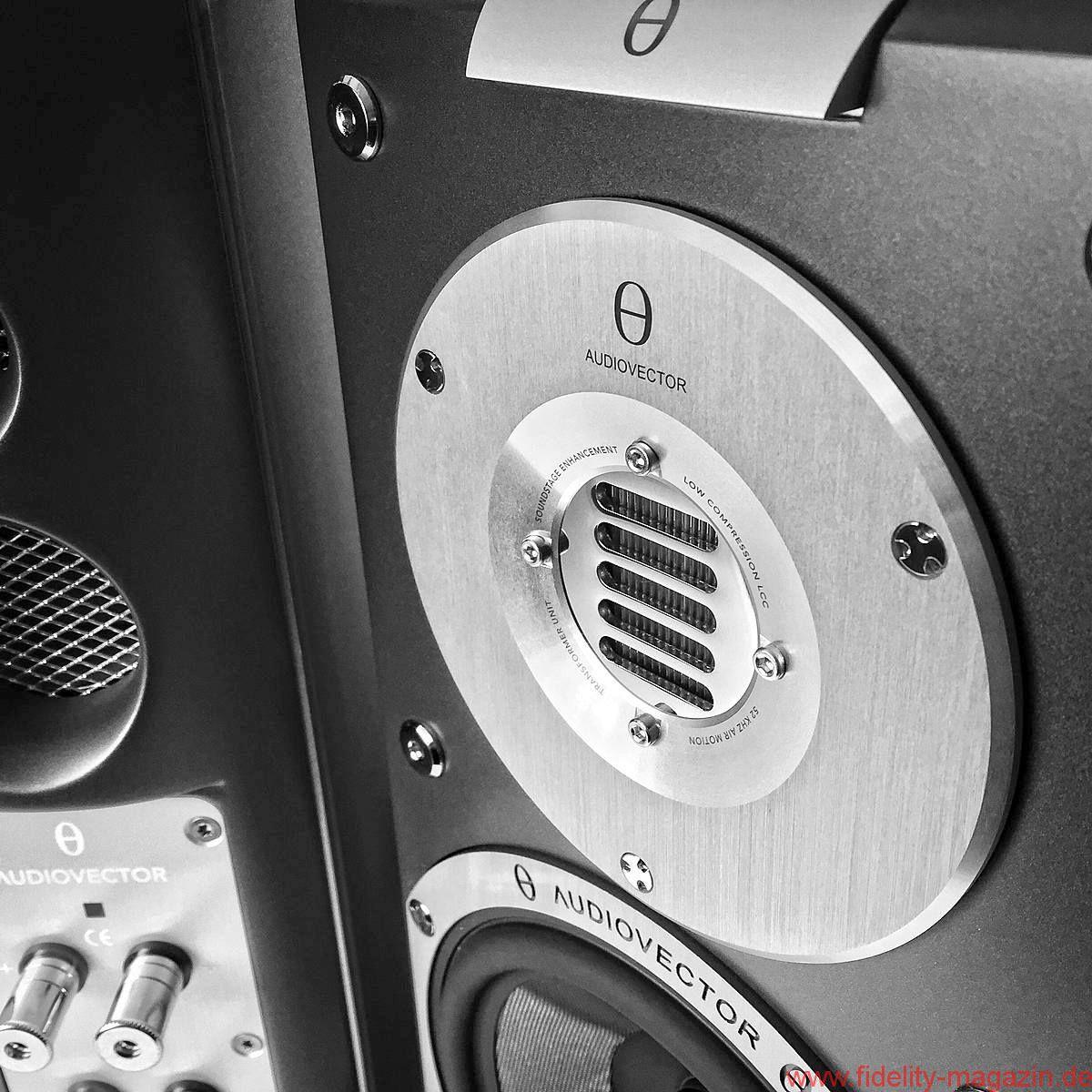 audiovector sr1 avantgarde arrete 13 fidelity online. Black Bedroom Furniture Sets. Home Design Ideas