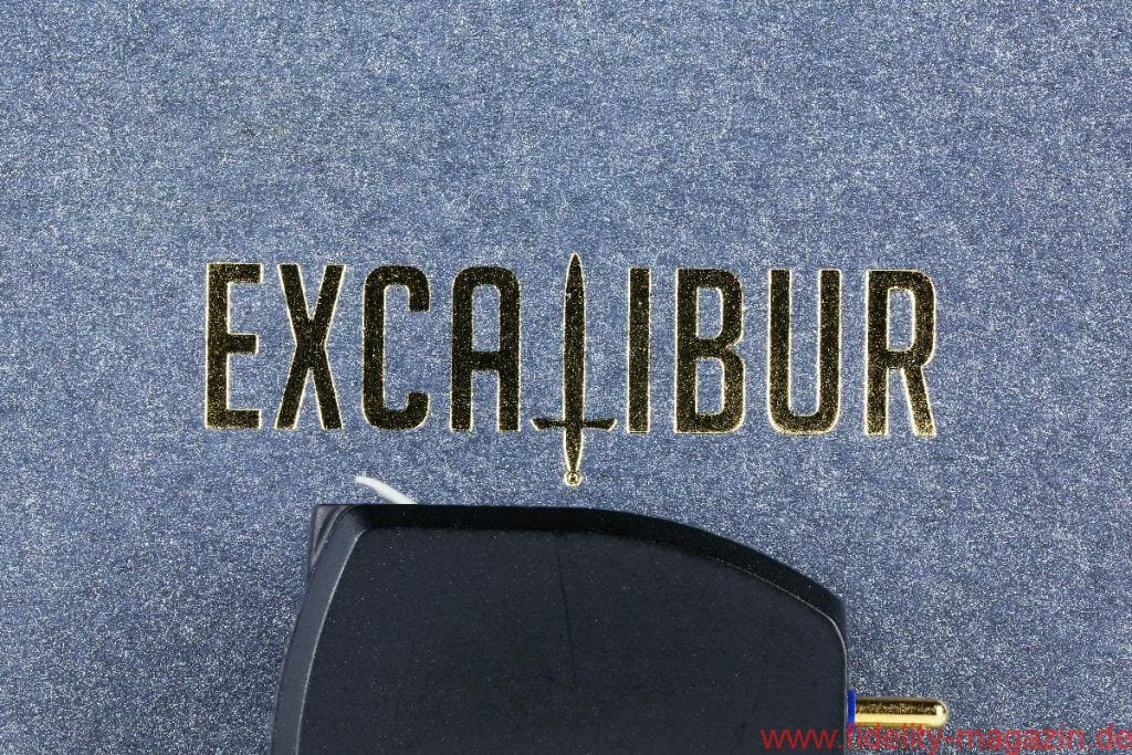 FIDELITY Award Winner 2018 Excalibur Black