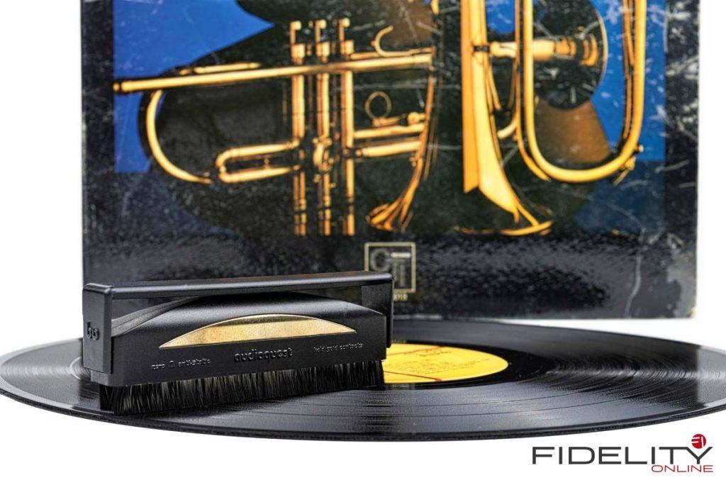 AudioQuest Anti-Static Record Brush Carbonfaser Schallplattenbürste