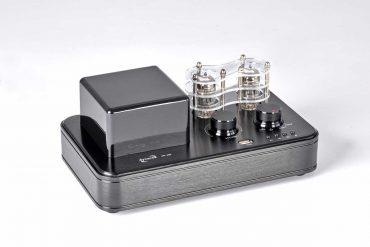 Dynavox VR-400 Hybrid-Amplifier