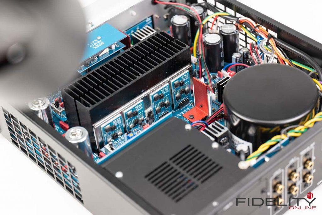 STAX-Kopfhörer-SR-009-und-Kopfhörerverstärker-SRM-T8000