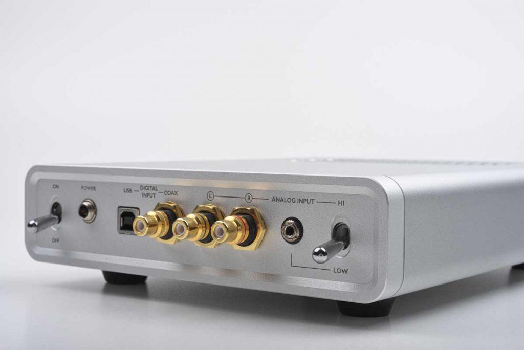 Warwick Acoustics Sonoma M1 - analoge und digitale Eingänge
