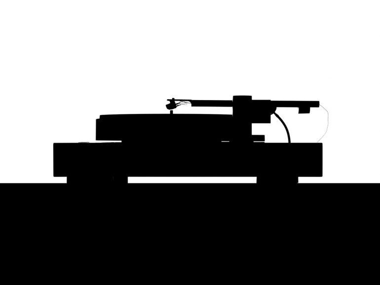 Bergmann Magne Plattenspieler mit luftgelagertem Plattenteller und Tangentialtonarm