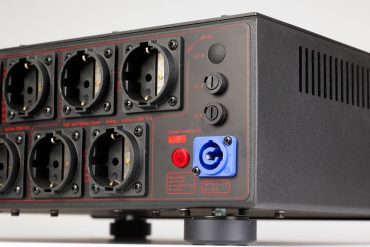 MFE Power-Conditioner NF-3/16A Signature Edition