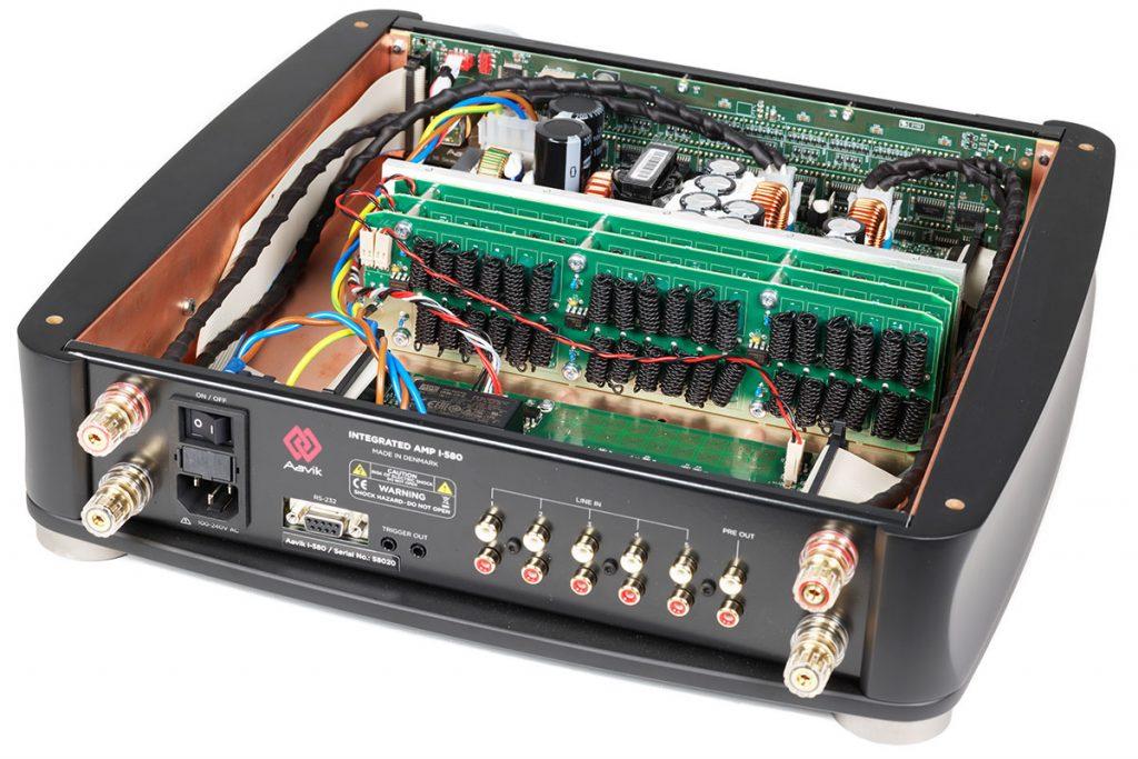 Aavik-I-580-Integrated-Amplifier-02