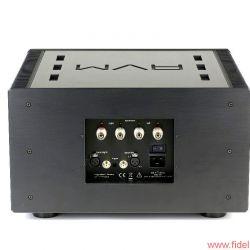 AVM Ovation Series PA8 + SA8.2 - Extra Aufwand: Das komplette Anschlussterminal ist versenkt eingebaut; so fällt die Kabelage weniger auf.