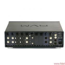 AVM Ovation Series PA8 + SA8.2 - Vollausstattung? Noch immer wäre hier Platz für zwei weitere Steckkarten nach Wunsch.