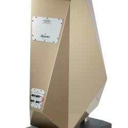 """Diapason Dynamis - Die Farbe unseres Testmusters nennt sich übrigens """"Glossy Sparkling Bronze"""". Muss man nicht mögen. Die Bi-Wiring-Terminals schon!"""
