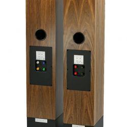 Living Voice Avatar IBX-R2 und OBX-R2 - Spezielle Farben am Terminal der OBX beugen Verwechslungen vor. Bi-Wiring ist in jedem Fall empfohlen