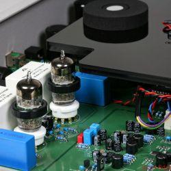 Metronome Technologie CD8T Signature - Die hervorragende Röhrenausgangsstufe überzeugt mit Schmelz' erzeugt aber auch hinreichend Bassdruck