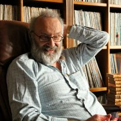 FIDELITY zu Gast bei Peter Qvortrup, Audio Note UK - Leuchten in der Lounge; Diarama und Antiquarisches bei PQ zu Hause; ein Award für Giorgio Moroder