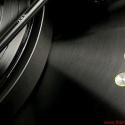 Ein Plattenspieler wie ein AC/DC-Track: weniger darf nicht, mehr soll nicht – und maximale Präzision, bitte!