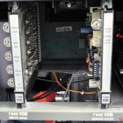 EMT 948 - Fertig für den Fader-Start: Single mit großem Mittelloch. Rechts daneben die Technik für den 0'2-sec-Start