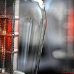 """Swissonor AM 6441 - Schönheiten wie die """"Mesh""""-300Bs von TJ zeigen ihre Heizfäden unverblümt durch die Anoden"""