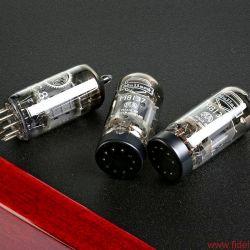 Synthesis Roma 79DC - Upgrade: Der deutsche Vertrieb liefert einen alternativen Satz NOS-Röhren gleich mit