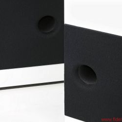 Larsen 8 - Im Keller unterstützt ein zweiter Tieftöner den Bass bis 300 Hz in einer eigenen Kammer mit Reflexöffnung