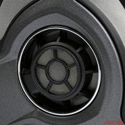 Sennheiser HD-700 - Die eingewinkelten Wandlerelemente im HD-700 durchmessen 40 Millimeter