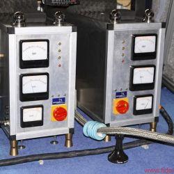 GECOM Technologies - Gigantische Netzteile der Eigenbau-Röhrenendstufen auf ELROG-845-Basis für die Mitteltonhörner