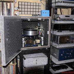 GECOM Technologies - Laufwerk-Prototyp in EMV-Schutzkammer