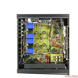 JE Audio Reference 1 Dyad S400 - Die Vorstufe wird symmetrisch angesteuert, die Endstufe akzeptiert auch Zuspieler per Cinchkabel.