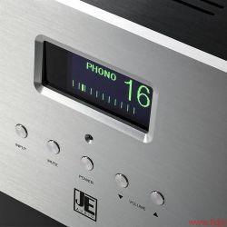 JE Audio Reference 1 Dyad S400 Das klare Display zeigt alle wichtigen aktuellen Einstellungen auf einen Blick und ist auch in Blau erhältlich
