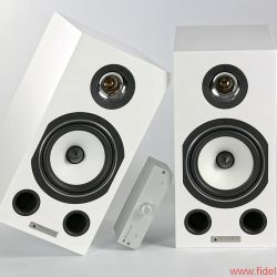 Triangle Esprit Comete Ez - Keck im Winkel: Der winzige (und günstige) V90-AMP von Musical Fidelity genügt schon für großen Klang …
