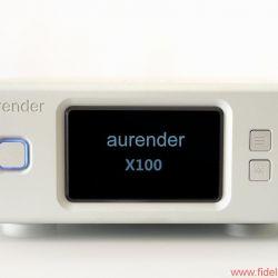 Aurender X100L Musicserver - Der X100 ist auch als Stand-alone-Maschine betreibbar: Vier Schalter für die Basisbedienung sind vorhanden. Das hochauflösende AMOLED-Display liefert Informationen zum angeschlossenen USB-DAC und zeigt die Metadaten das aktuellen Titels – oder zeigt eines von zwei virtuellen VU-Metern.