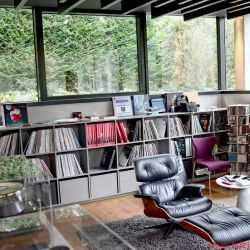 """TIDAL La Assoluta in a picture-book bunker dream system - Perfect listening position. Fabulous view. Mind-blowing sound … music as the elixir of life. It all started with the legendary Nakamichi Dragon – and whatever you do, don't call it a """"cassette recorder""""!"""