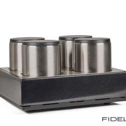 Canever Audio La Scala Reference Amplifier. Jede der symmetrischen Verstärkerstufen erhält ihre eigene Gleichspannung aus einem ultimativen 40-Kilo-Netzteil.